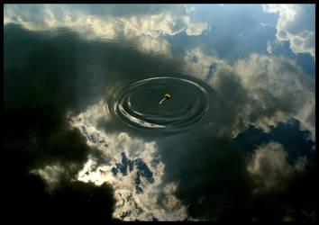 Sky in water by leani