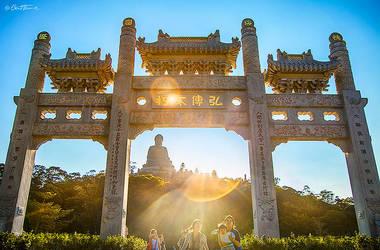 Tian Tan Buddha in Hong Kong by BenHeine