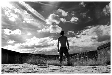 Man VS The Sky by johnyvrr