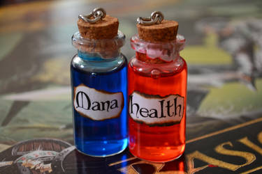 Health and Mana potions by WonderRabbit