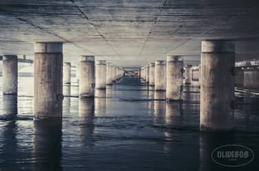 Stockholm - Under the bridge by olideb08