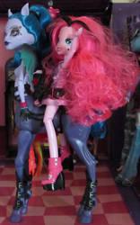 Pinkie Rides Avea by Stephanie215