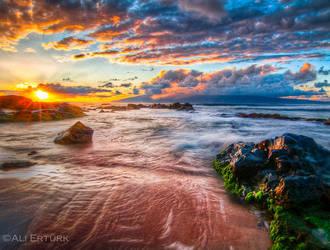 Hawaii, the sun goes down... by alierturk