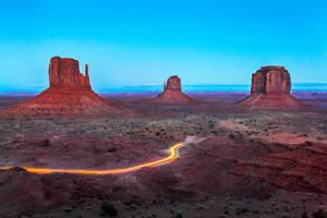 Monument Valley, drive-through by alierturk