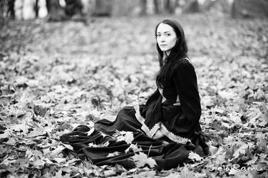 Mistress of the fall by SielojRamu