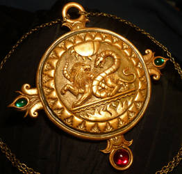 Schattenjager Talisman - handsculpted Amulet by Ganjamira