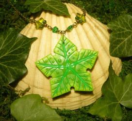 Littlefoots Treasure - Treestar Necklace by Ganjamira