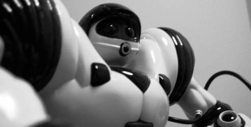 robot2 by liquidalex