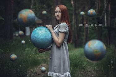Globe by lightlanaskywalker