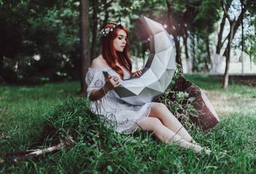 Moon by lightlanaskywalker