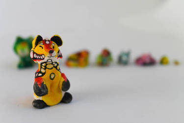Tiny animal line (bear) by Dragondealer