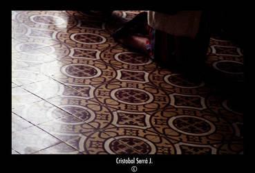 De rodillas - On her knees by SerraJorquera