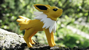 Jolteon by MidnightRarity