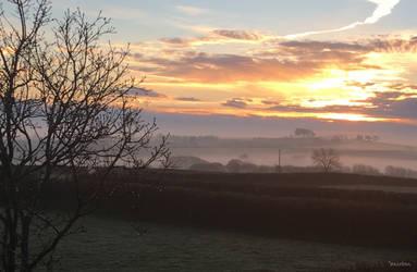 Sunrise towards Dartmoor by ancoben
