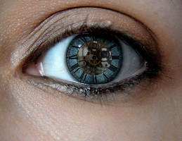 Clock Eye by KrimsonAngel