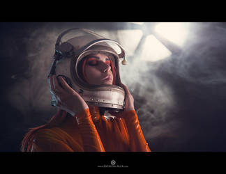 Astronaut portrait by Elisanth