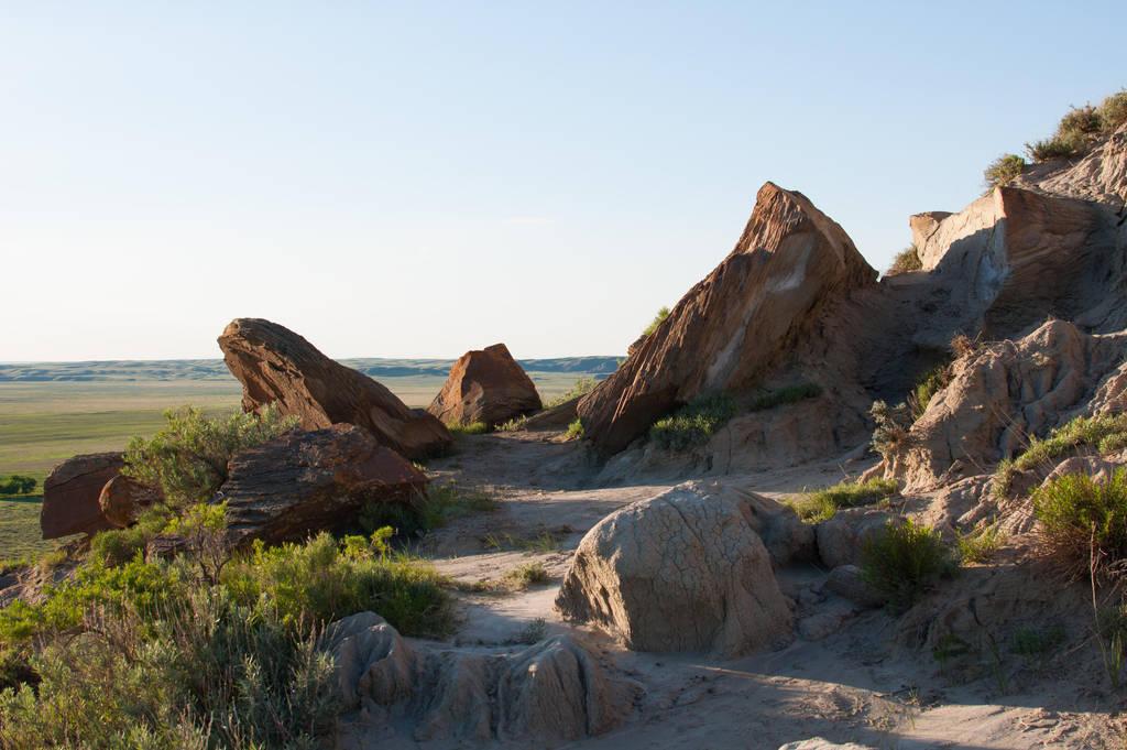 Rock cliff edge by DarkBeforeDawn23