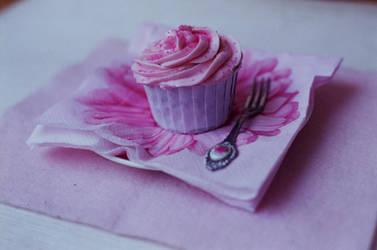 teatime cupcake by kittiepanties