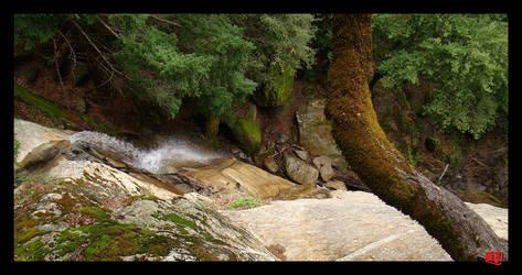 Waterfall at Castle Rock by Blufire