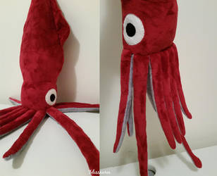 Giant Squid by Felissauria