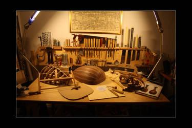 Lute making by Thorleifr