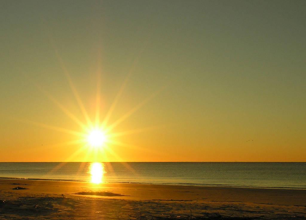 The One Who Paints the Sunrise by renaissanceman3