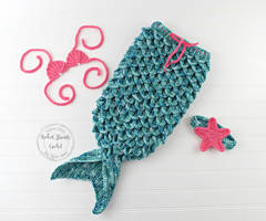 Turquoise and pink Mermaid tail set by Hooked-Strands