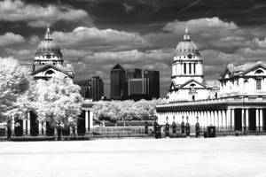 Greenwich University and Canary Wharf by Helgajas