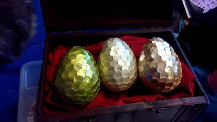 dragon eggs by Lilithaya