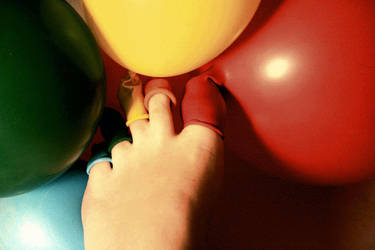 Balloon toes by LittleLucrecia