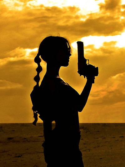 Lara Croft silhouette by TanyaCroft