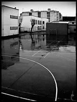 El patio bajo la lluvia by karraka
