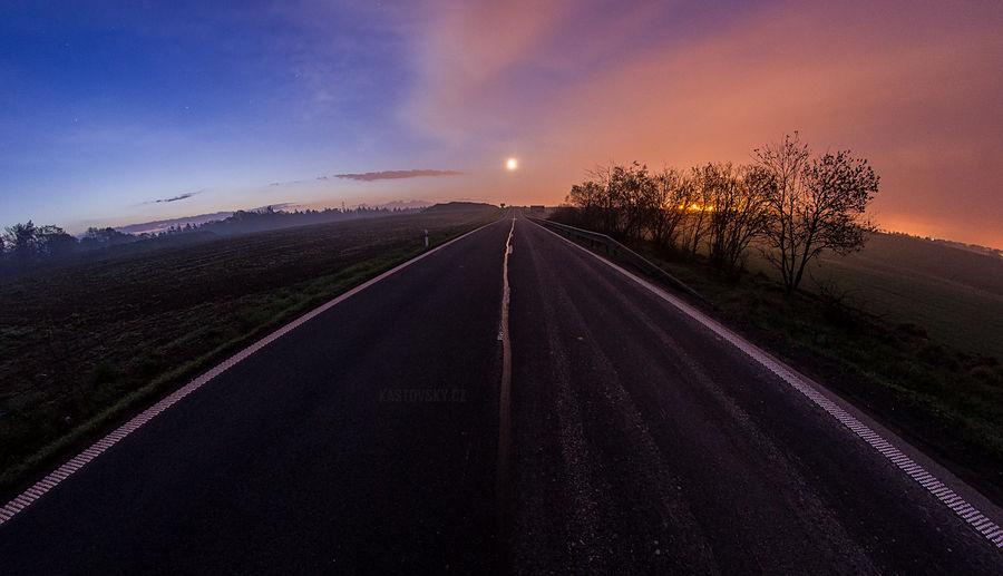 Follow the moon by Zavorka