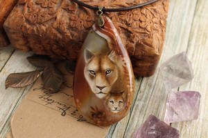 The Queen - hand painted pendant by LunarFerns