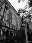 Abandoned house by GabiMiyuki