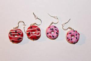 Donut earrings by Hrasulee