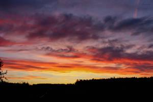 Red Sky by Hrasulee