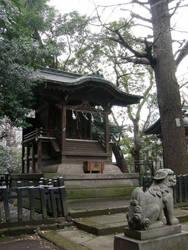 A Shrine Near Roppongi by shinzei