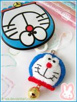 Doraemon cell phone strap by li-sa