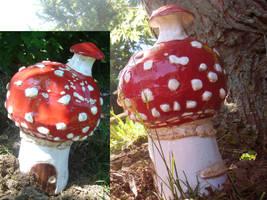 Mushroom House by alanbecker