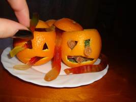 Orange Jack-o'-Lanterns by zzSnowWhiteQueenzz