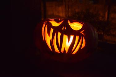 Evil-ish Jack-o'-Lantern by zzSnowWhiteQueenzz