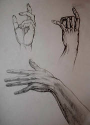 Hand study II by zzSnowWhiteQueenzz
