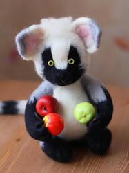Lemur by SvetLany