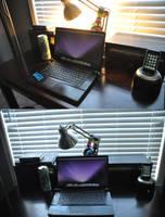 my desk by ayeesiks