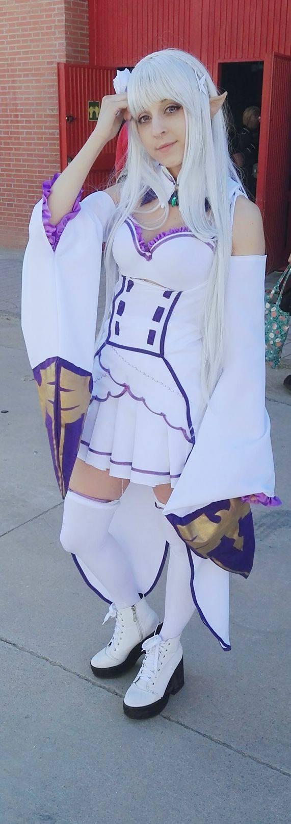 Emilia ( Re:Zero ) by itsukih