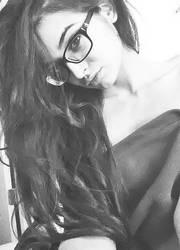 selfie x by MellySerona