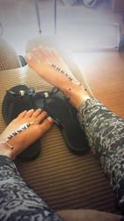 summmerr happy feet ^^ by MellySerona