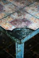 Broken geometry by leoatelier