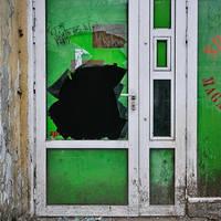 Green hole by leoatelier